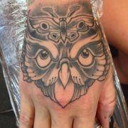 owl-hand
